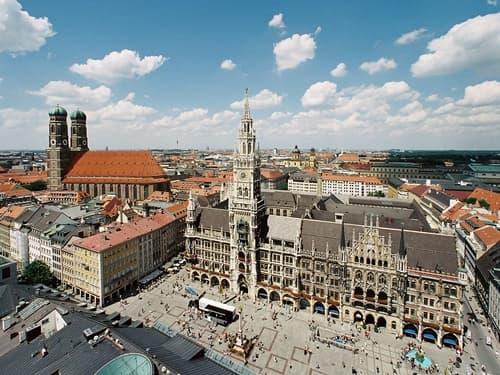 Marienplatz mit Rathaus München