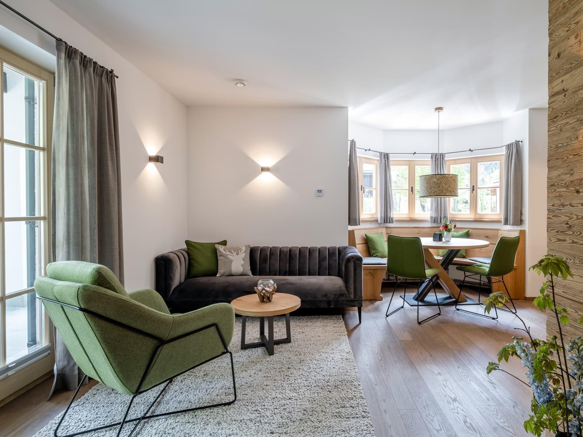 Wohn- und Essbereich Ferienwohnung Immergrün Ferienhaus Alperie